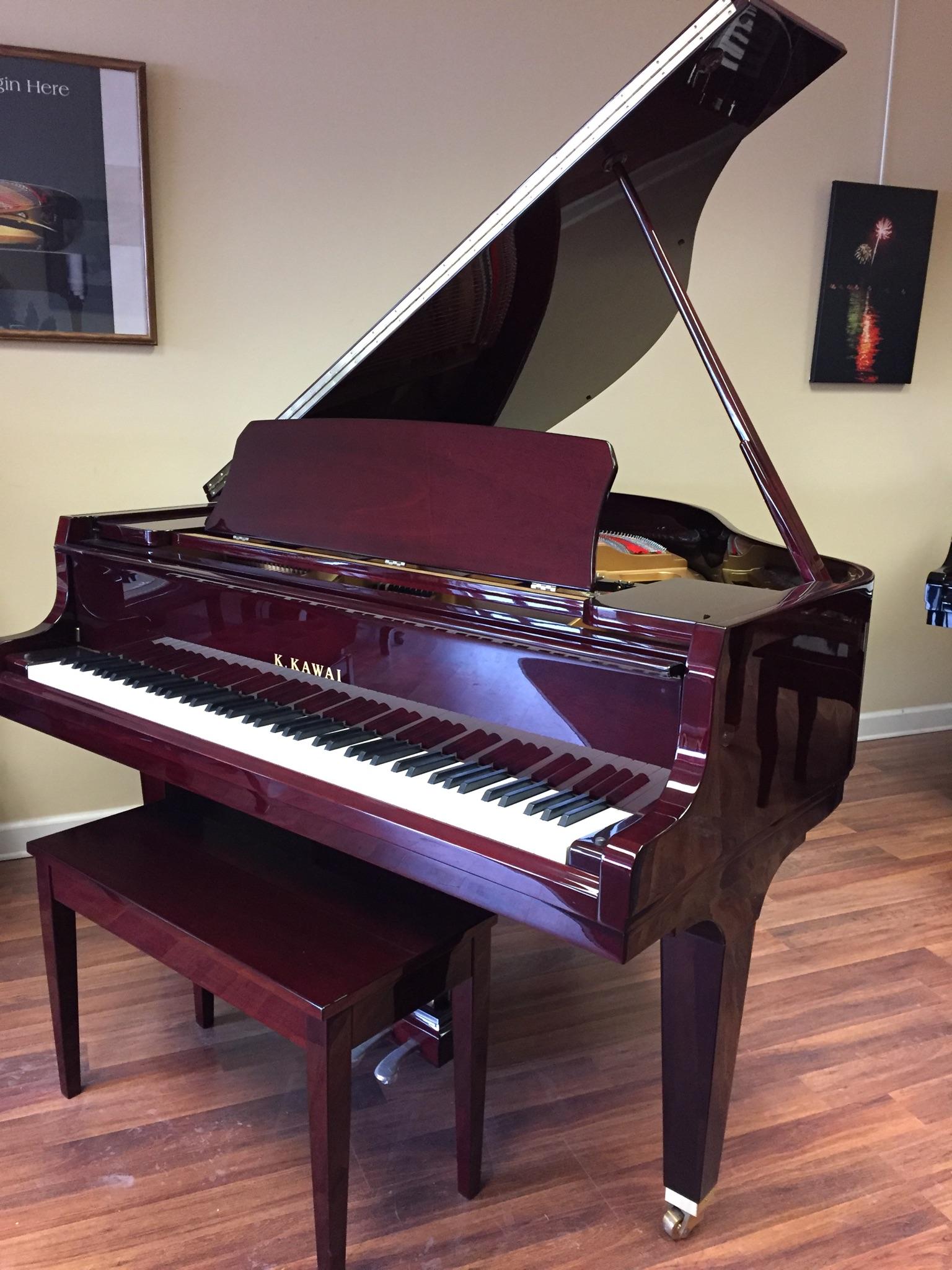 Grand Pianos: New Hartford, NY: Center Stage